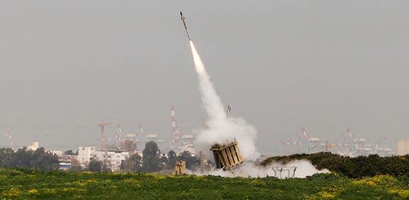 الجيش يحذر من تعرض عسقلان لضربة صاروخية مكثفة من حماس