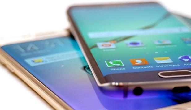 سامسونغ تخطط لطرح 4  هواتف قابلة للطي عام 2021