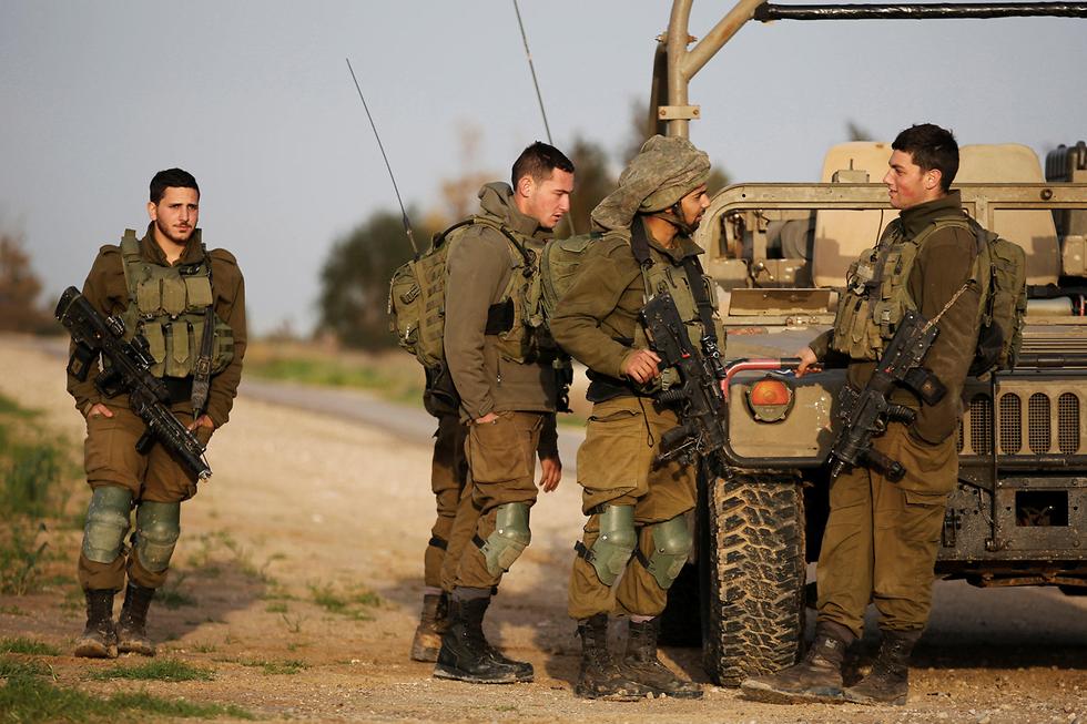 سجن ضباط إسرائيليين لإطلاقهم قذيفة شرقي غزة