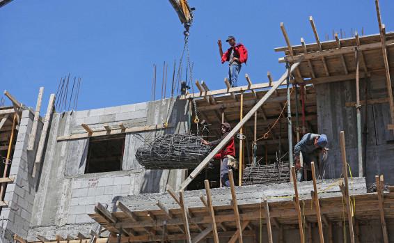 إخطار هام لمقاولي البناء في إسرائيل بخصوص عمال البناء