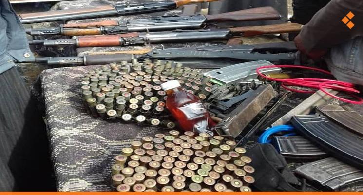 الكلاشنات تباع  على البسطات ب 30 دولار شمالي سوريا