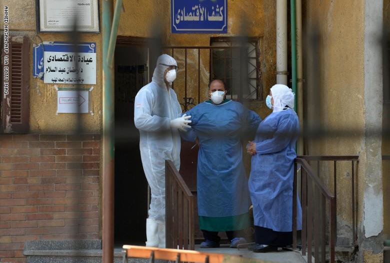 وفاة 19 مريض كورونا في مصر لنفاذ الأكسجين