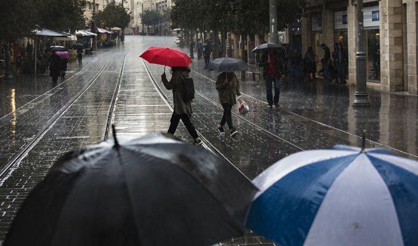 الامطار تعود الخميس وقد تفتح الباب أمام سلسلة من المنخفضات