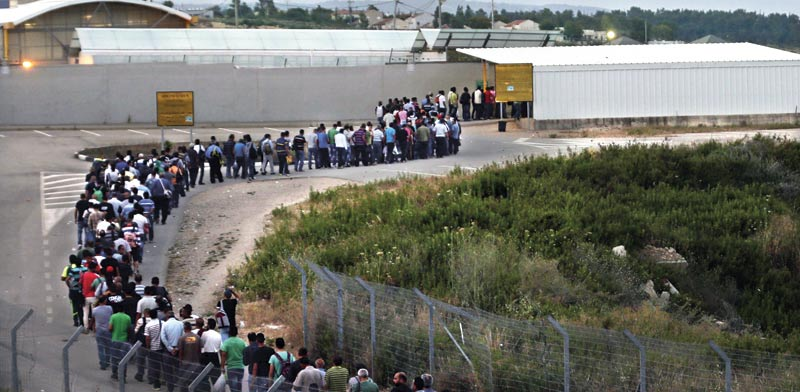 الجيش الإسرائيلي يوضح آلية عمل المعابر