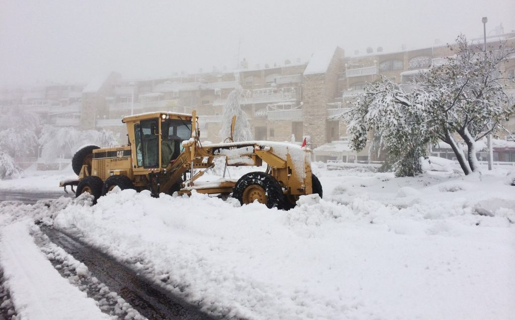 تعرف على ارتفاعات تساقط الثلوج التقريبية على الجبال الفلسطينية