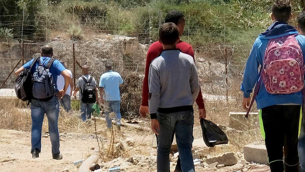 الاحتلال يهدد بإطلاق النار على العمال على الفتحات غربي جنين