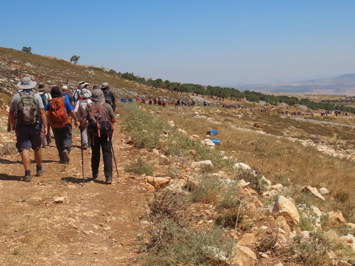 آلاف المستوطنين يعتزمون اقتحام اطراف نابلس اليوم الاثنين