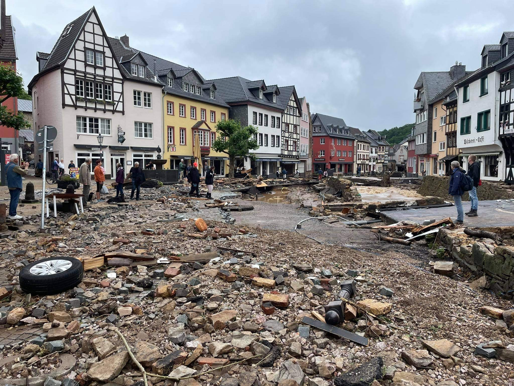 أكثر من 150 قتيل نتيجة الفيضانات التاريخية في اوروبا