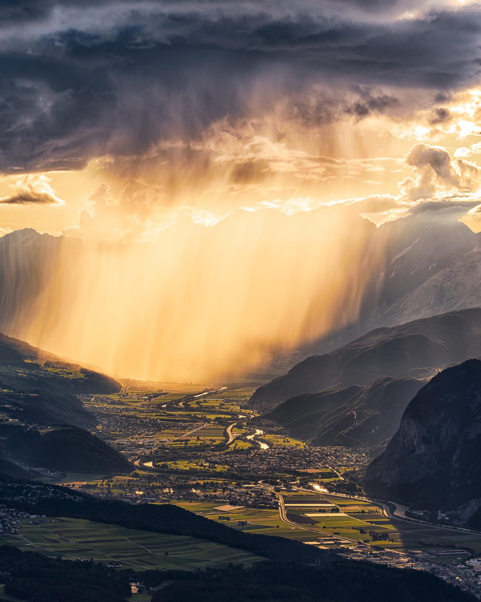 فرصة لأمطار نادرة السبت